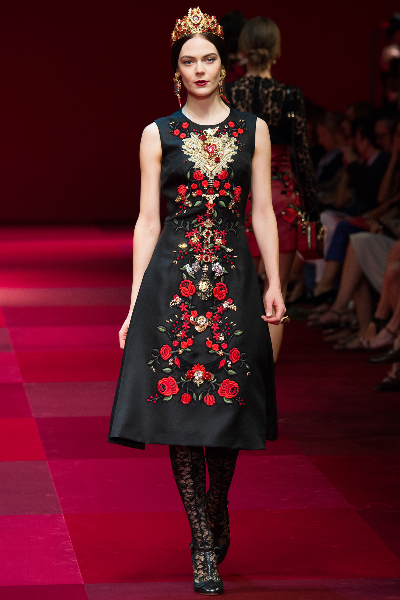 1d96363f61d17 Dolce And Gabbana Ss 2015 Bing Images - Classy World