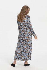 Ichi - light blue maxi shirt dress with nostalgic print