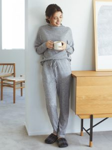 Uniqlo grey soft knitted jersey lounge set