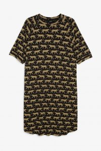 Monki - black oversized t-shirt dress with leopards