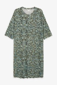 Monki - green oversized T-shirt dress with abstract dots
