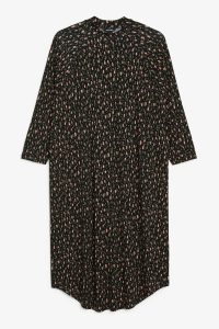 Monki - oversized t-shirt dress with abstract green dots